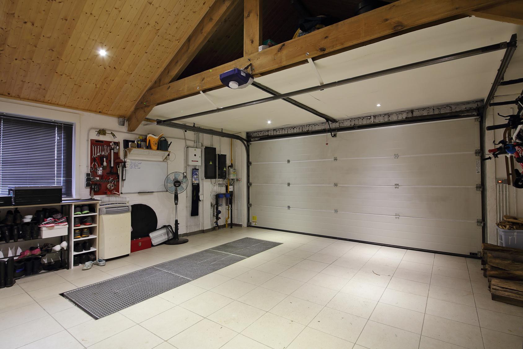Garage cellier buanderie que choisir maisons cr ation - Cellier dans une maison ...