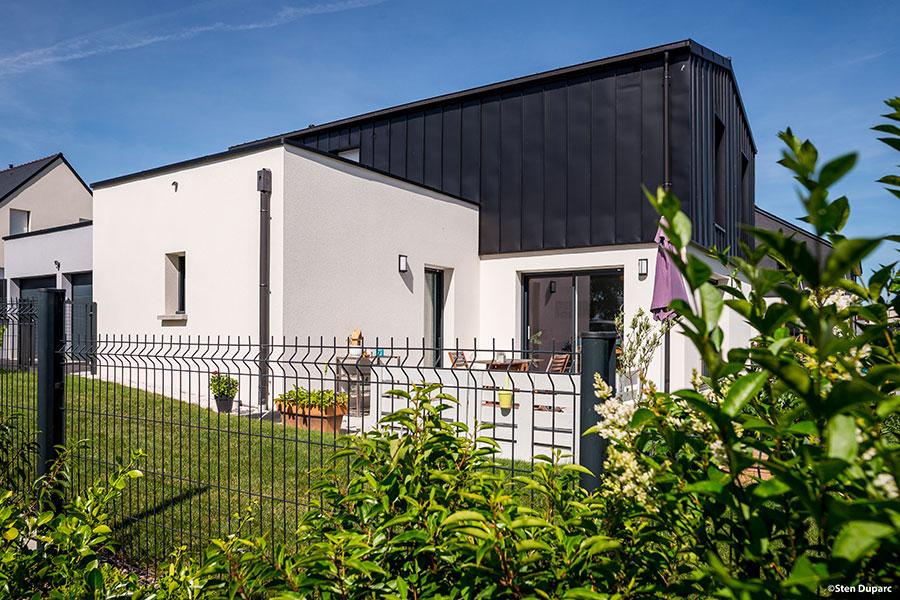 Maison Contemporaine à Domloup - Bardage PLX