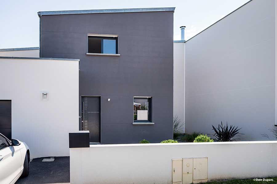 Maison mono-pente zinc avec bac acier sur décroché