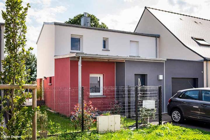 maison moderne, bi-pente zinc et décroché en mono-pente zinc